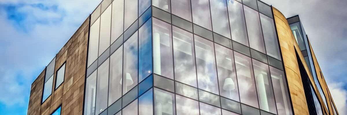 agrandissement de batiments résidentiels et commerciaux à Montréal